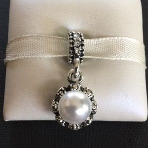 Charm pearl with silver dress it up works pandora